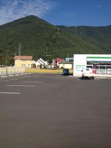 ファミリーマートの駐車場